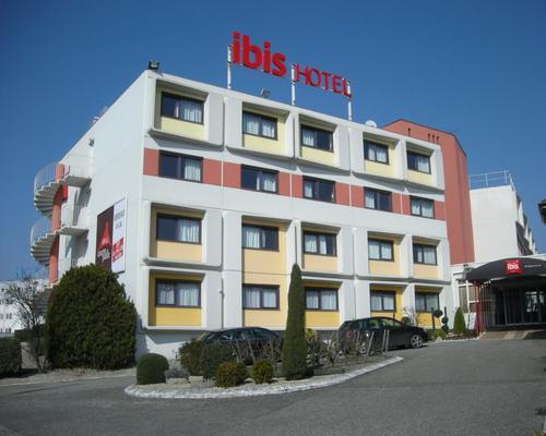 ibis bordeaux le lac 3 stern rue du petit barail 33300. Black Bedroom Furniture Sets. Home Design Ideas