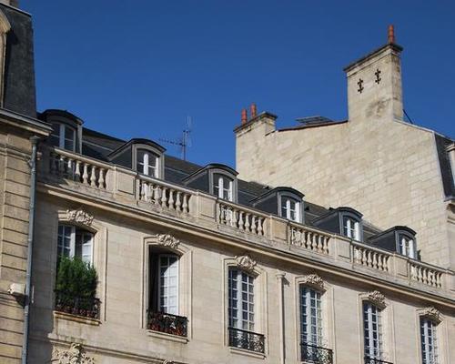 Appartements centre de bordeaux from 85 33000 for Location appartement centre ville bordeaux